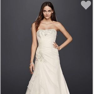David's Bridal Ivory Strapless Wedding Dress